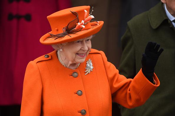 «Мы добьемся успеха, и настанут лучшие дни»: королева Елизавета II выступила с официальным обращением из-за эпидемии коронавируса