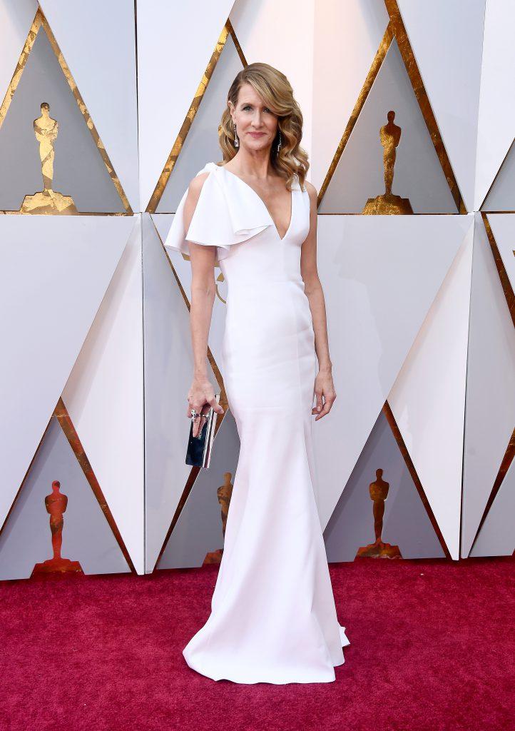 Лора Дерн в платье Calvin Klein