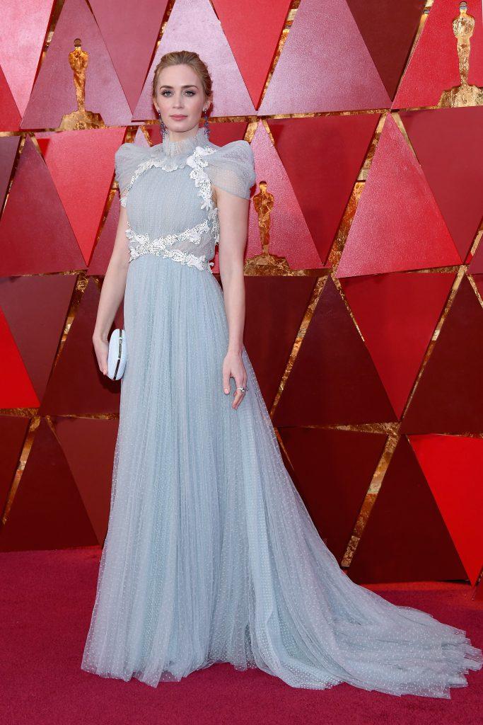 Эмили Блант в платье Schiaparelli