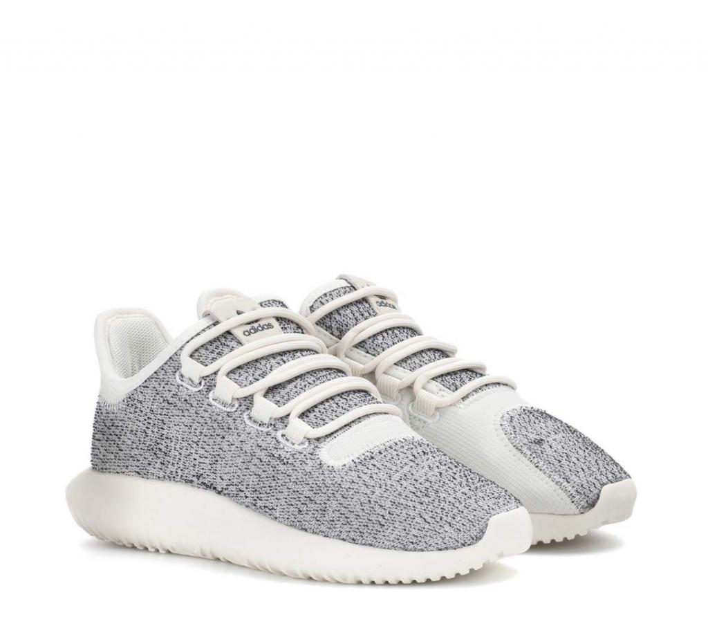 Кроссовки Adidas (3 420 руб.)