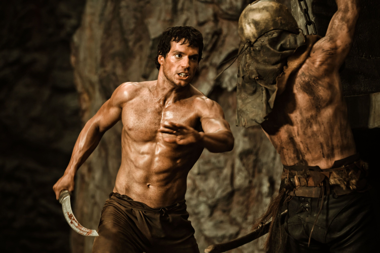 4. Генри Кавилл (кадр из фильма «Война богов: Бессмертные») – 29,4% фильмов, в которых он снимается топлес
