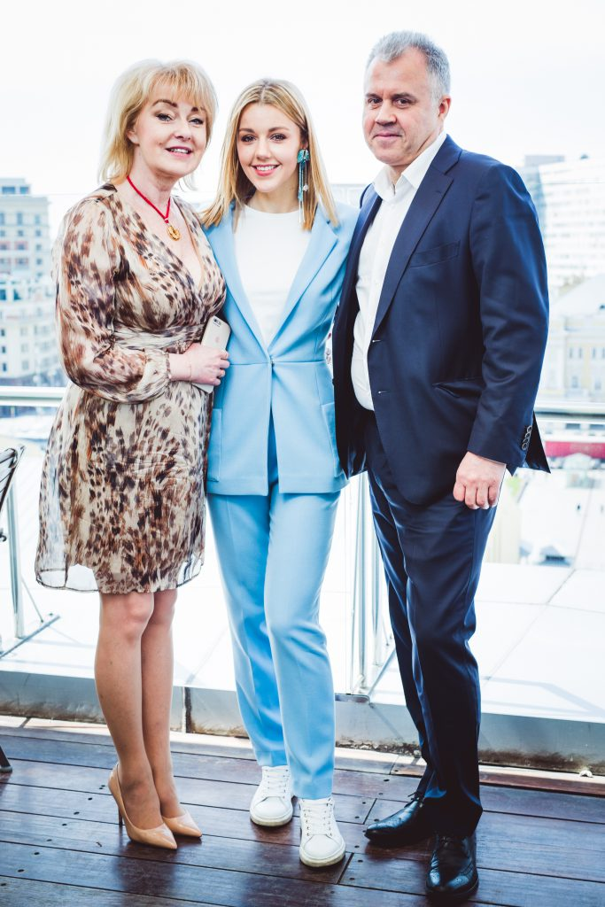 Алена, Юлианна и Юрий Карауловы