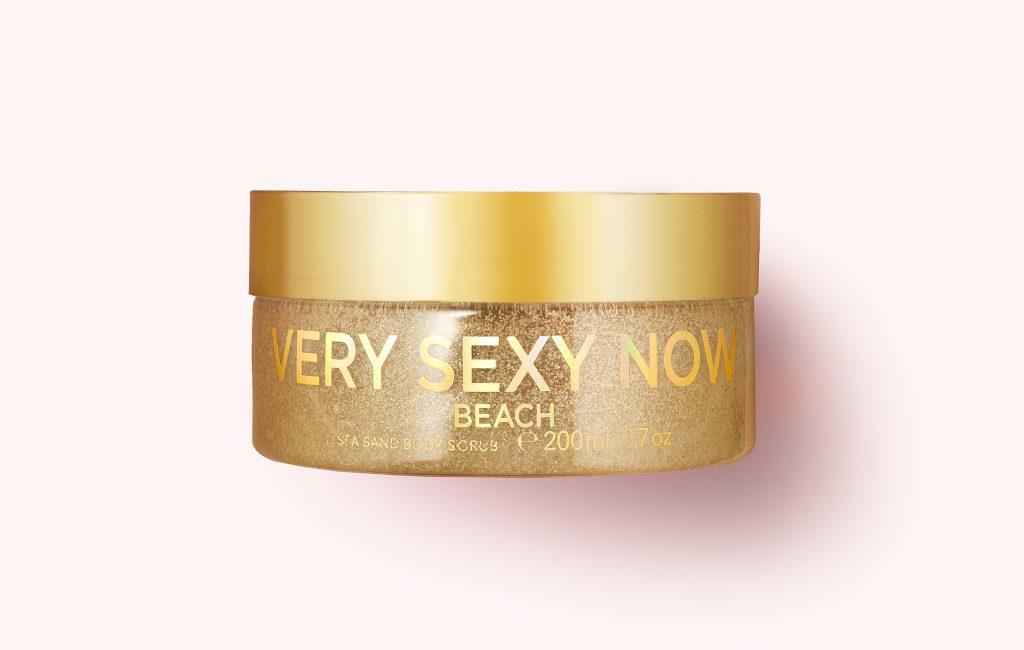 Скраб для тела с морским песком Very Sexy Now Victoria's Secret делает кожу мягкой и гладкой, 1799 р.