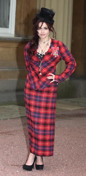 Хелена Бонэм Картер на Инвеституре в Букингемском дворце, 2012 год