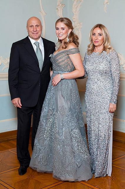 Михаил и Маргарита Мамиашвили с дочерью Лизой