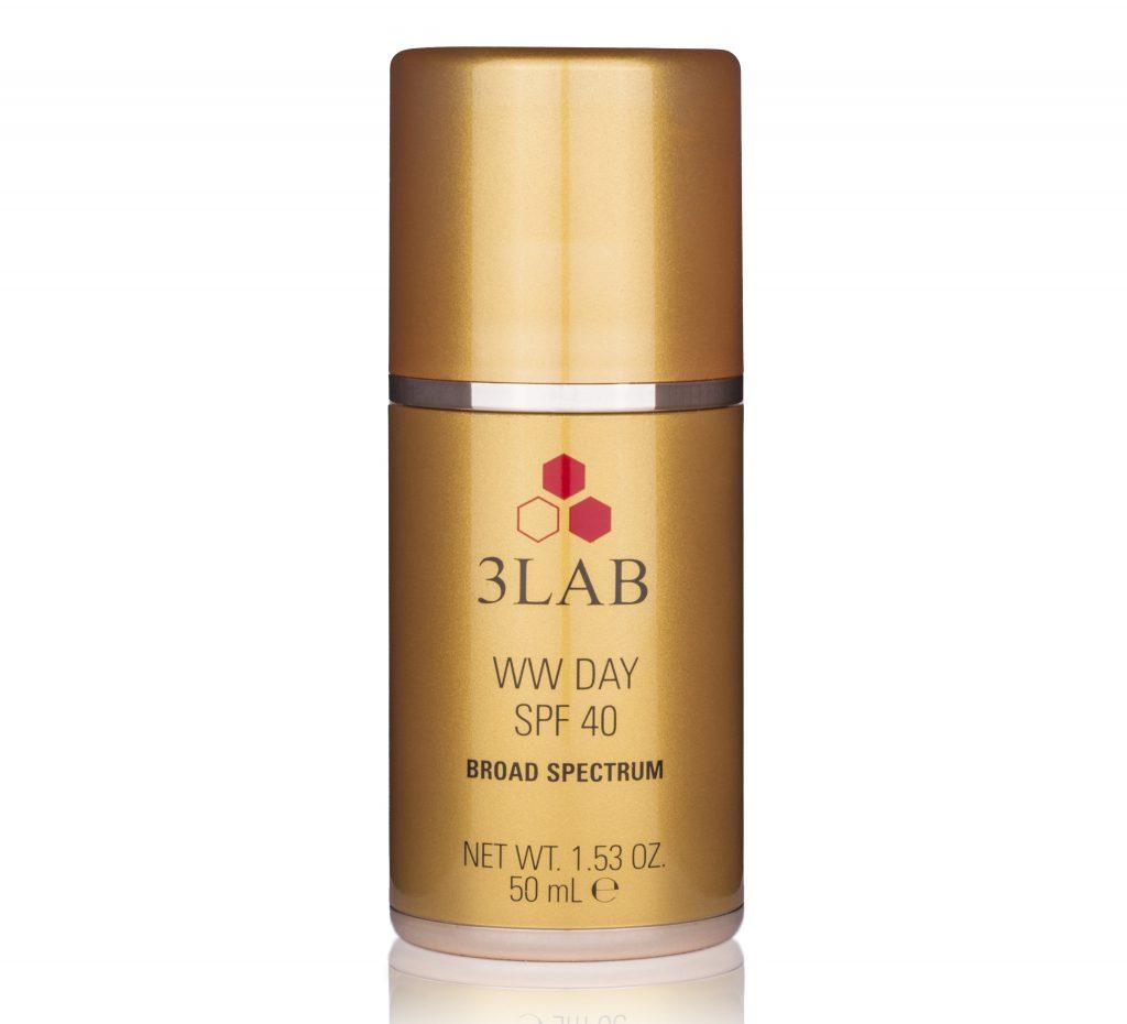 WW Дневной крем для лица SPF 40 3LAB эффективно разглаживает мимические и глубокие морщины, преображает и подтягивает кожу, а еще надежно защищает от солнца. 37 050 р.