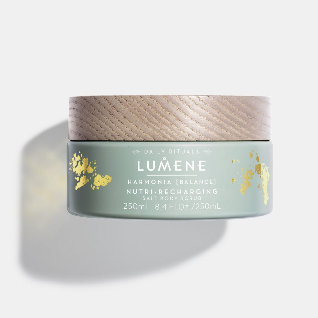 Скраб для тела Lumene деликатно очищает кожу, делая ее ровной и гладкой. Цена по запросу
