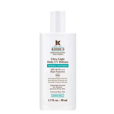 Солнцезащитный флюид с минеральным фильтром SPF 50 Kiehl's защитит твою кожу от фотостарения (а именно от пигментных пятен и морщин). 3400 р.