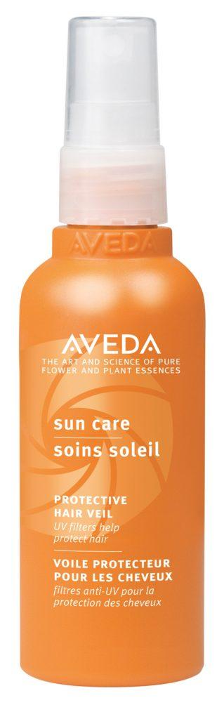 Солнцезащитный спрей Aveda Защищает волосы от пересушивания и внешнего воздействия окружающей среды и способствует сохранению яркости цвета. 2400 р.