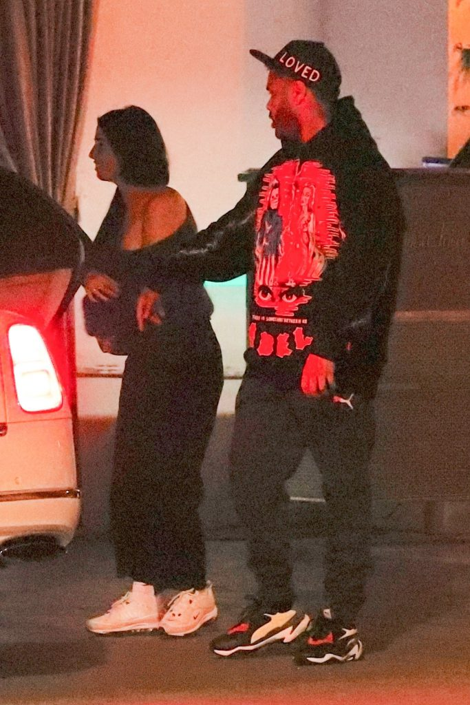 The Weeknd с таинственной незнакомкой