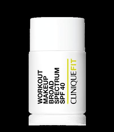 Тональный крем Clinique Fit Workout Makeup SPF 40. У него Стойкая формула до 12 часов, устойчива к воздействию пота и воды. 2600 р.