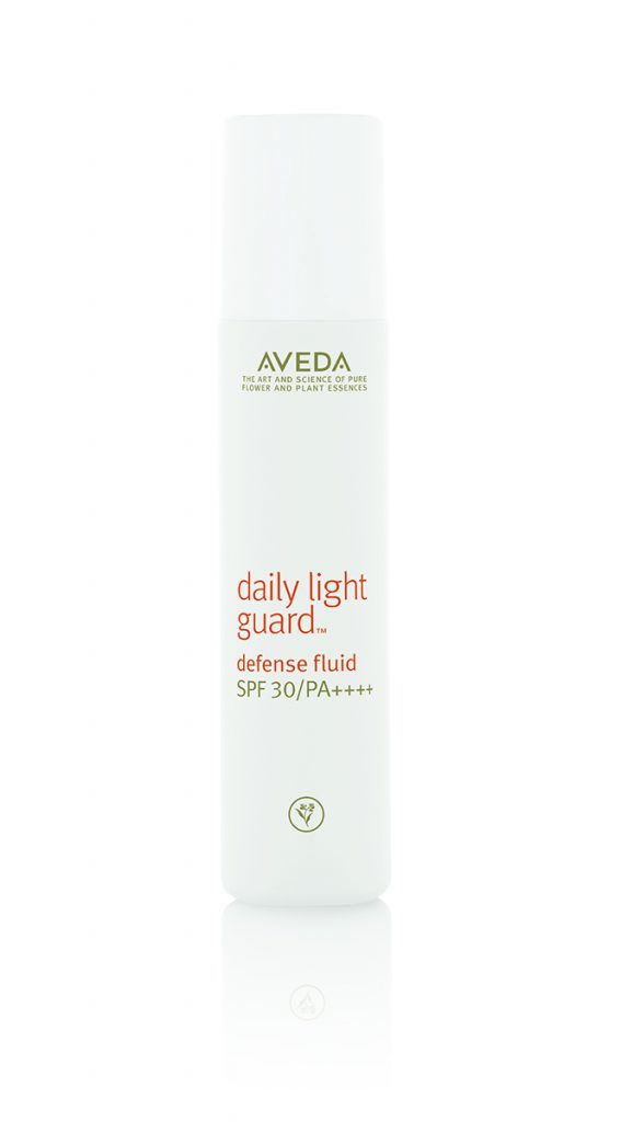 Защитный флюид для лица AVEDA Daly Light Guard Defense Fluid SPF 30 - находка для всех, кто хочет провести лето без ожогов! Цена по запросу