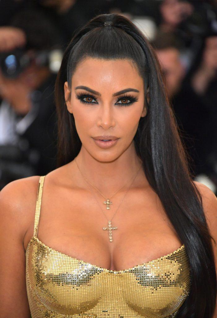 Ким Кардашьян (37)