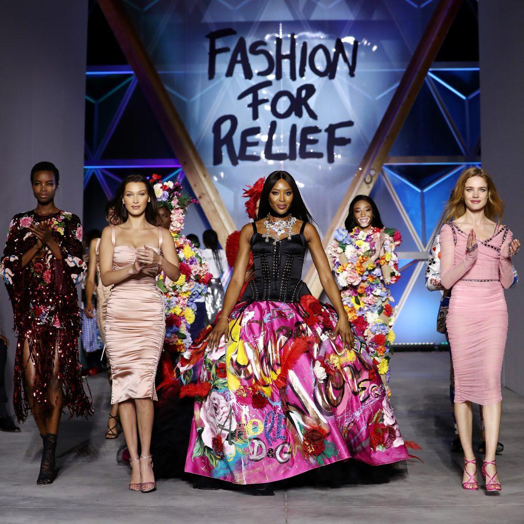 Белла Хадид, Наоми Кэмпбелл и Наталья Водянова на показе Fashion For Relief