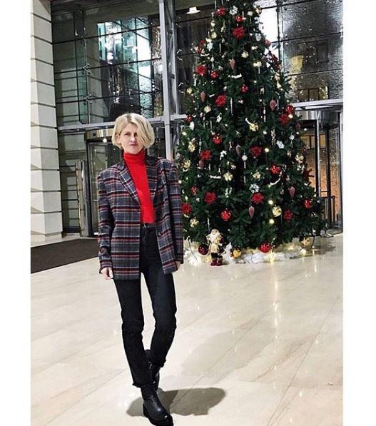 Полина Киценко в пиджаке Loom Moscow