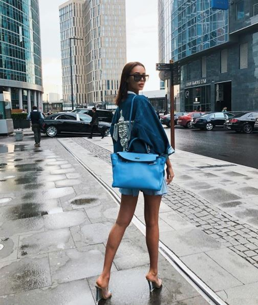 Анастасия Решетова в куртке DALOOD