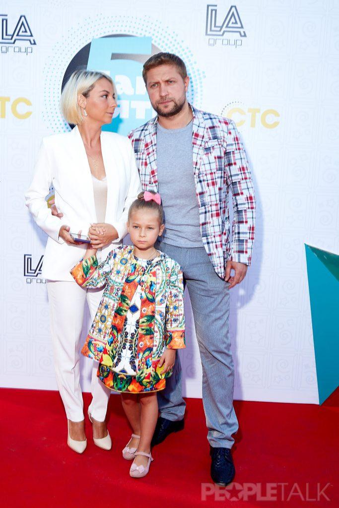 Дарья Сагалова с Константином Масленниковым и дочкой Лизой