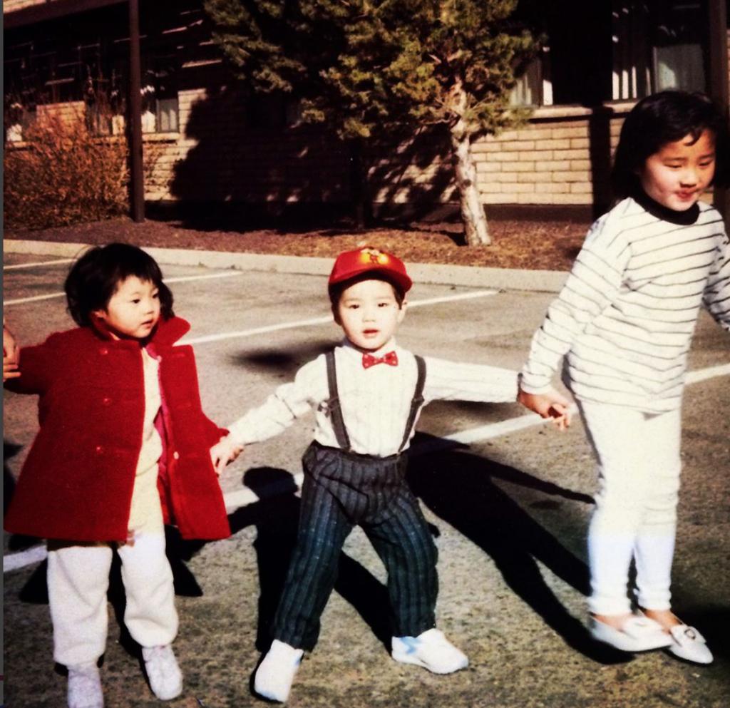 Тим Чанг с сестрами