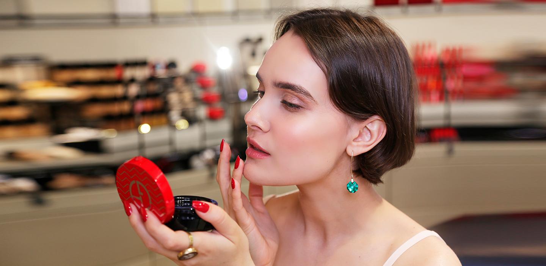 Какой макияж будет в тренде этим летом? Советы визажиста Giorgio Armani