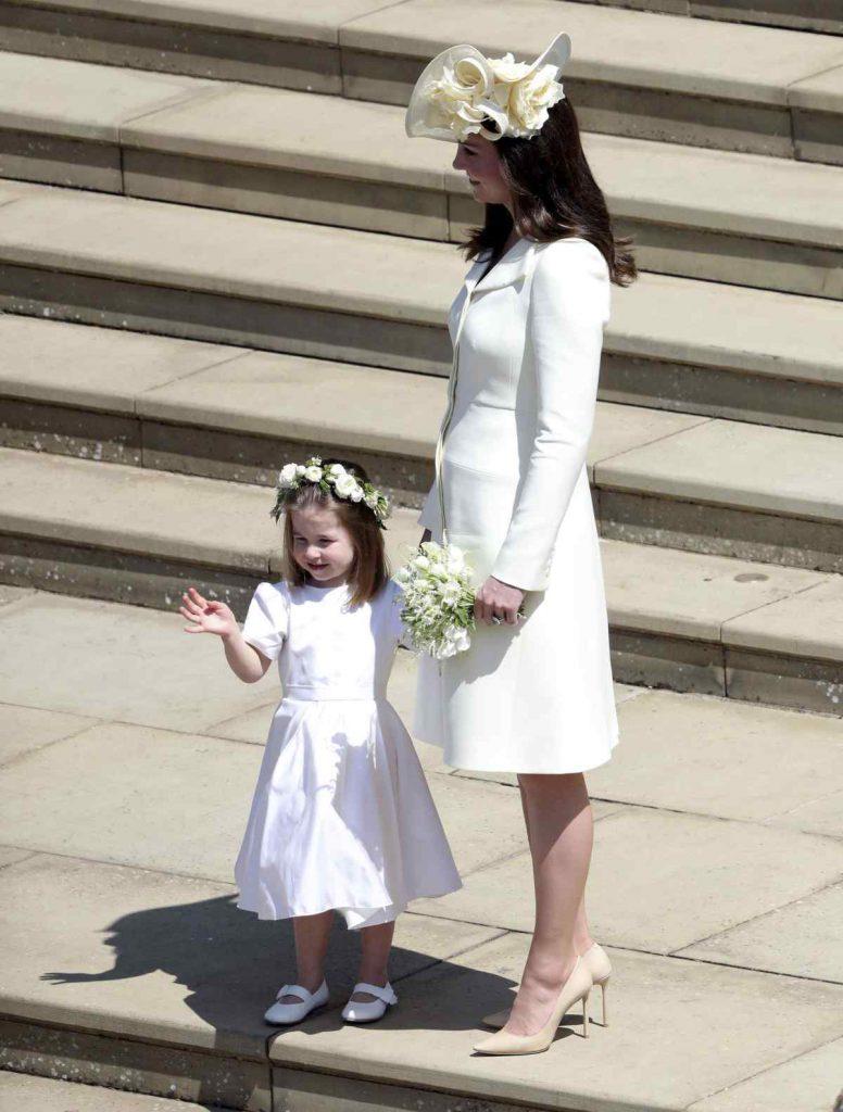 Принцесса Шарлотта и Кейт Миддлтон на свадьбе Меган и Гарри
