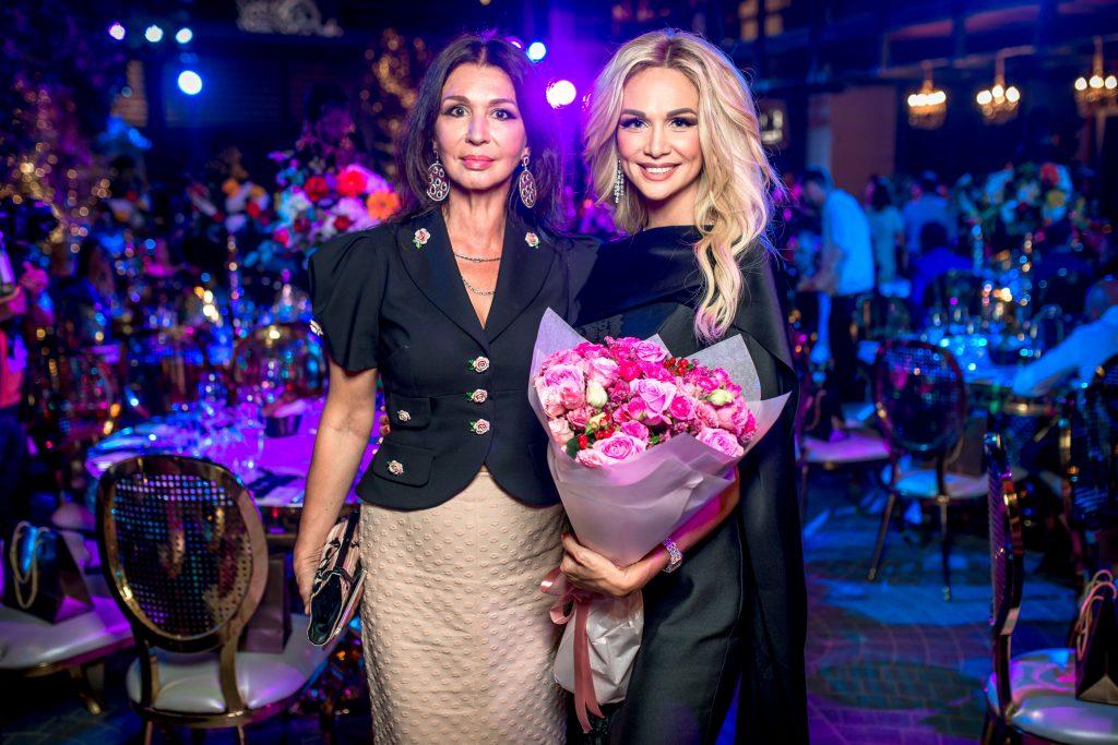 Виктория Лопырева с мамой