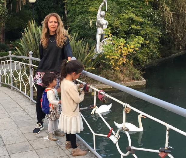 Карина с детьми