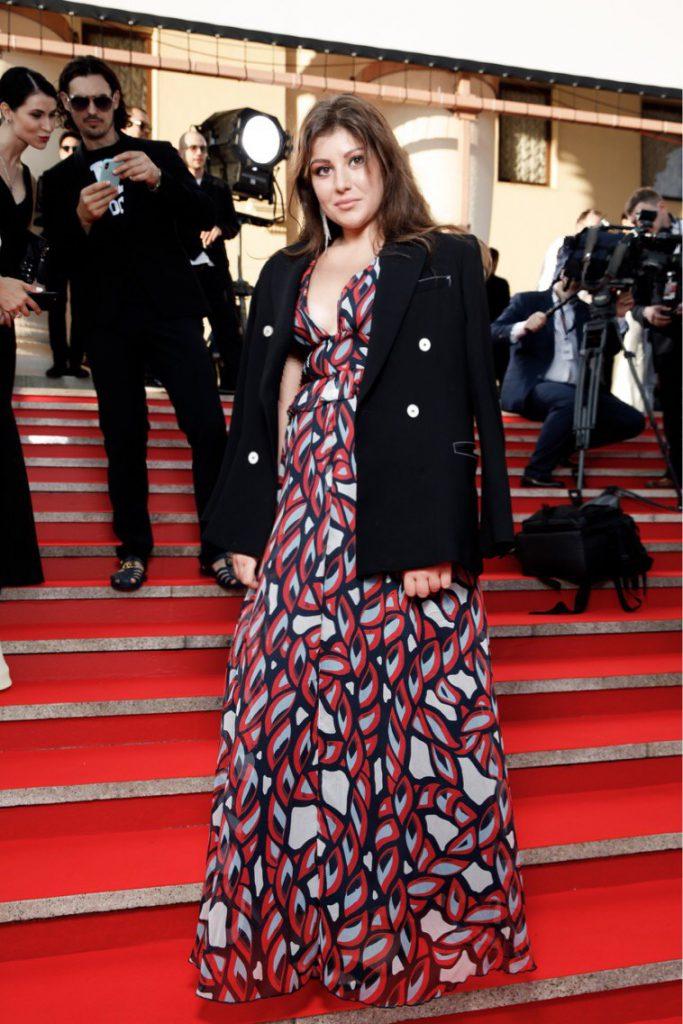 Виктория Танес в платье Pinko