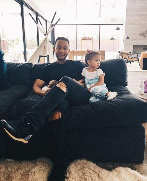 Джон ледженд с дочкой Луной