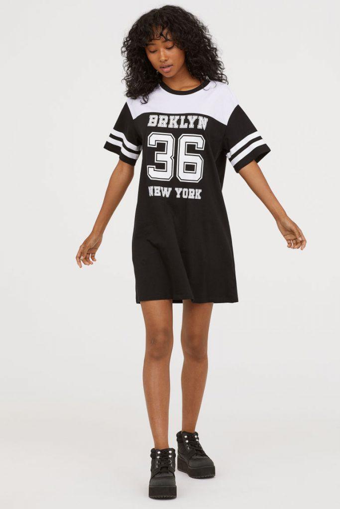 Платье-футболка H&M, 999 р. (hm.com)