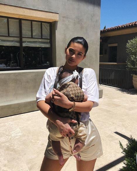 Кайли Дженнер с дочкой