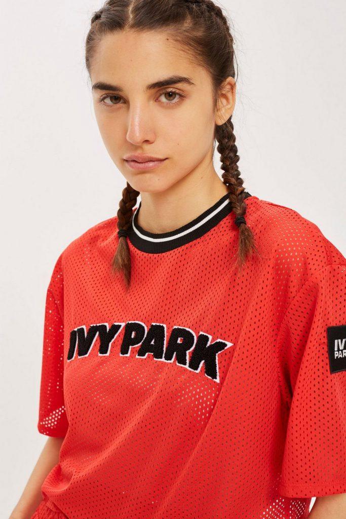 Футболка Ivy Park, 5 200 р. (topshop.com)