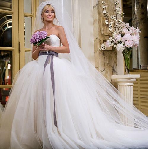 Кейт Хадсон в роли Лив Лернер, к/ф «Война невест», 2009 год