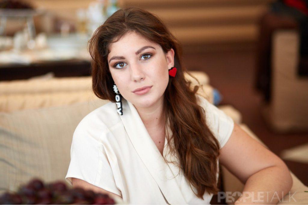 Виктория Танес в украшениях из коллекции #ношуPEOPLETALK