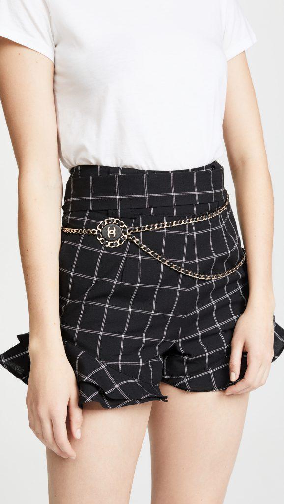 Chanel, 82 770 р. (ru.shopbop.com)