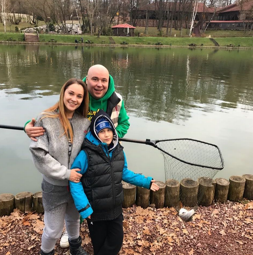 Катя и Доминик с сыном Марком; @dominickjocker