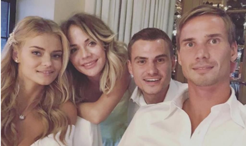 Катя Григорьева  иАнтонШунин с родственниками