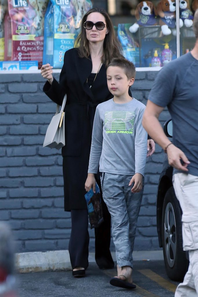 Анджелина Джоли с дочкой (Фото: legion-media.ru)