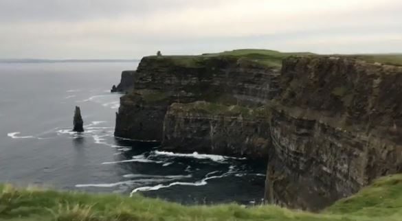 Данила Козловский улетел в Ирландию