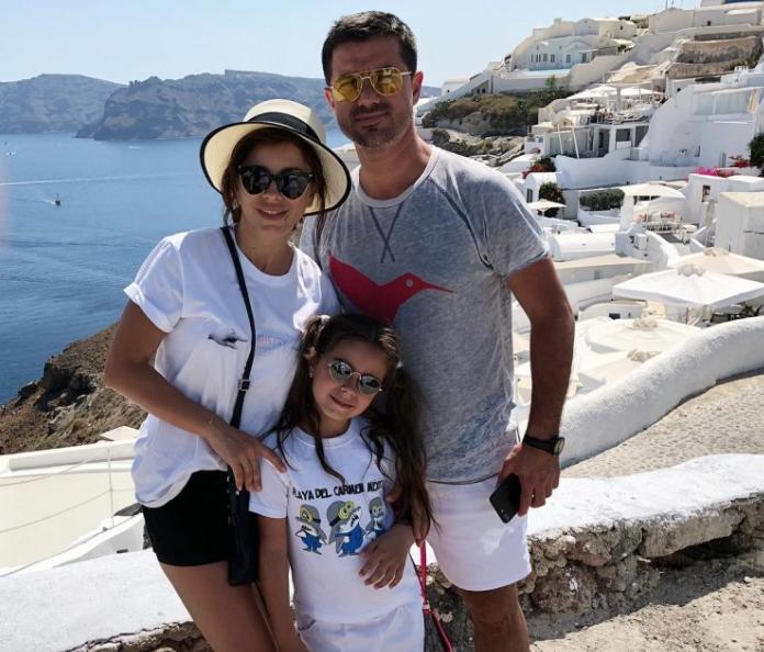 Ани Лорак с мужем Муратом и дочкой