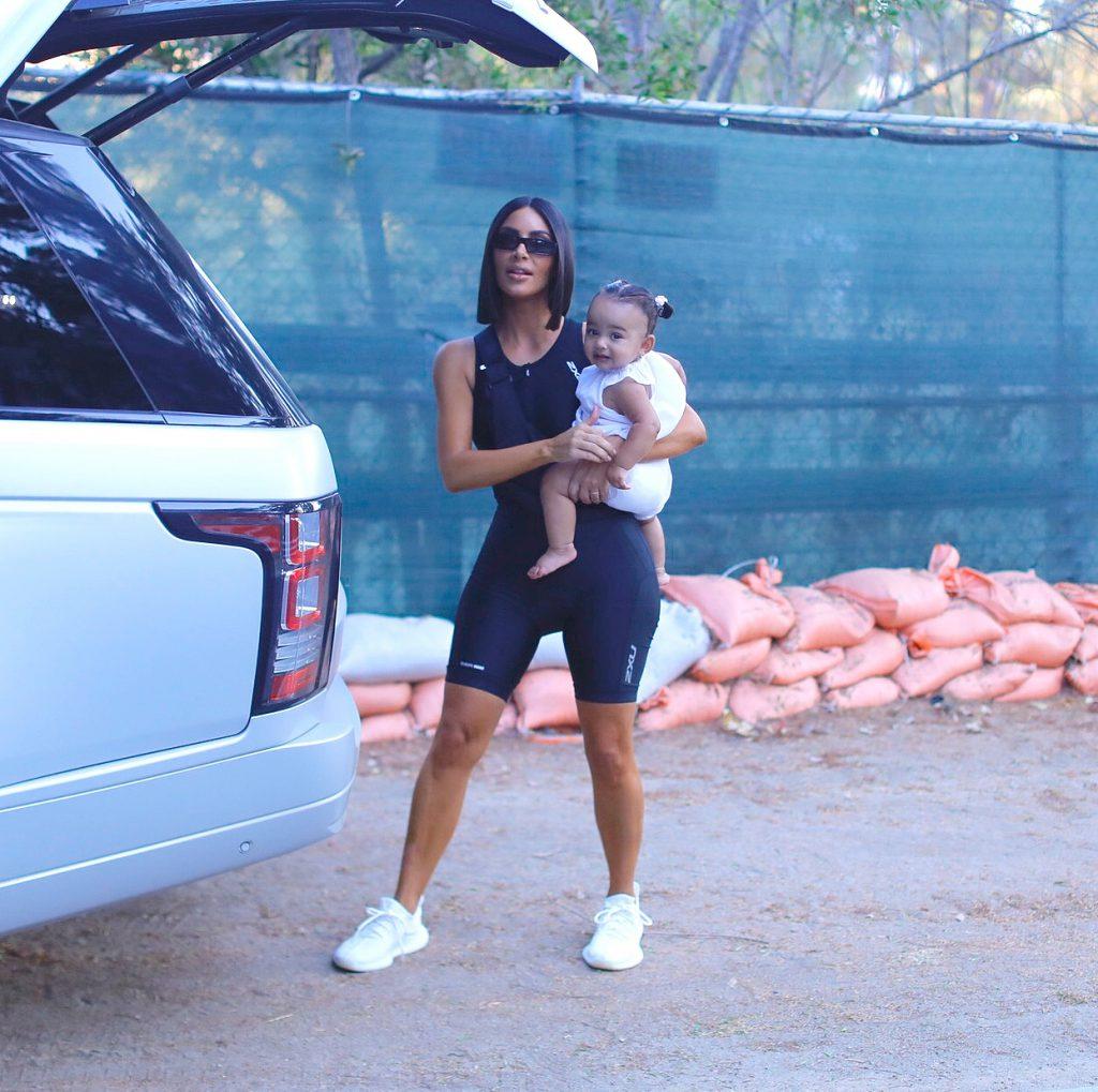 Ким Кардашьян с дочкой Чикаго