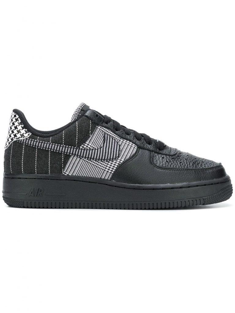Nike Airforce 1, 8246 p. (farfetch.com)