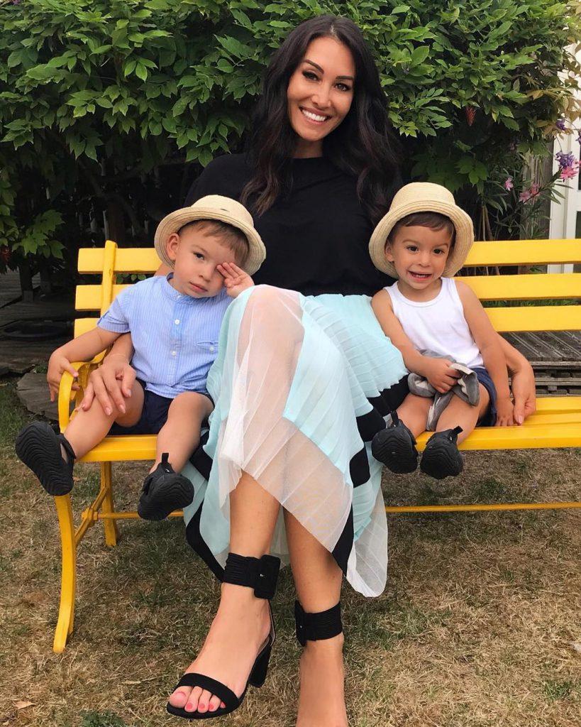 Сидони Бьемот с детьми