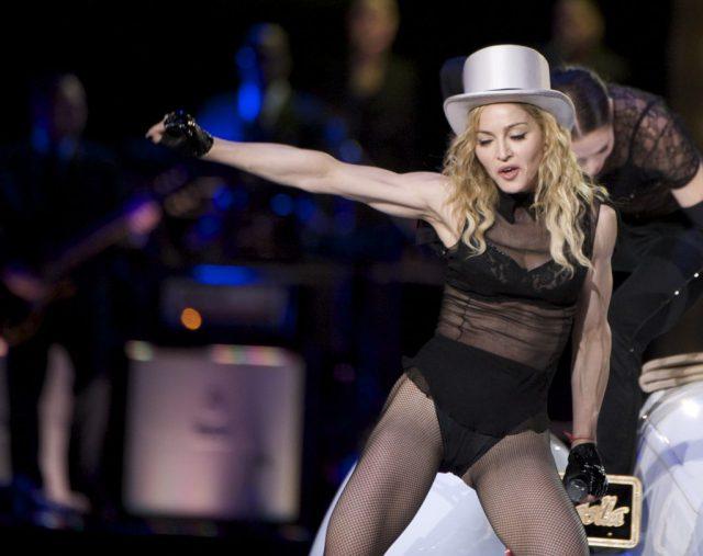 Ничего себе! Фанат Мадонны подал на нее в суд