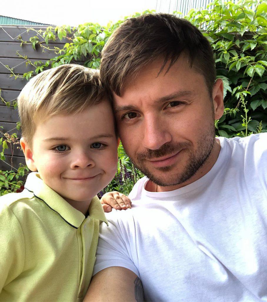 Серегей Лазарев с сыном