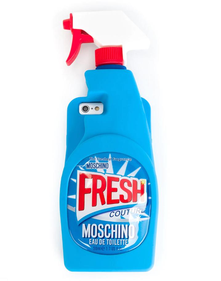 Moschino, 4450 p. (farfetch.com)