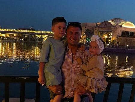 Павел Прилучный с детьми (Фото: @agataagata)