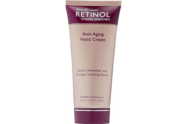 Крем для рук Retinol отлично питает и увлажняет даже очень сухую кожу.