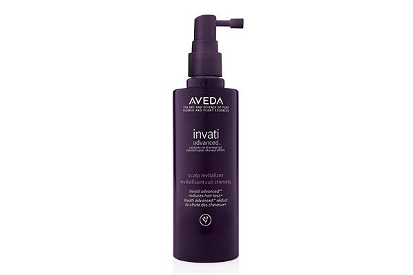Сыворотка для кожи головы Aveda Invati Advanced успокоит и поможет избежать таких неприятностей, как сухость и шелушение.