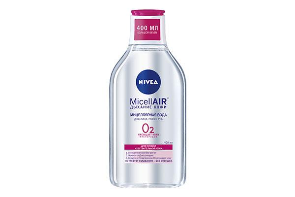 Мицеллярная вода Micell Air Nivea мягко очищает, снимает макияж и не требует смывания. Важный аргумент - демократичная цена!