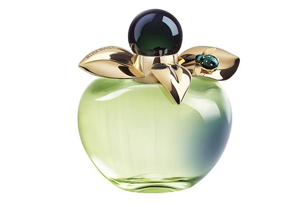 Аромат Nina Ricci Bella. Если ты частенько выбираешь аромат по впечатляющей упаковке, то этот в виде яблока тебе точно понравится!